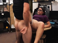 Sluts try to steal in the pawnshop and one of them gets fuck