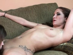 Tattooed Lesbo Indigo Augustine Is Munching Pussy With
