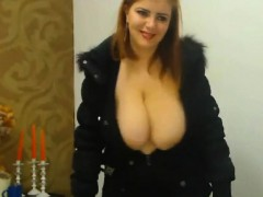 Sexy Dancing Huge Boobs Girl With Nice Cleavage