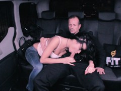 FUCKED IN TRAFFIC - Ukrainian babe drilled in the backseat