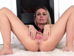 Peculiar czech sweetie gapes her slim slit to the peculiar