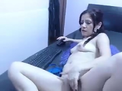 Teen solo masturbation with wet pussy close up