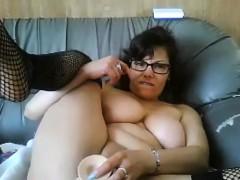Thick Slut With Glasses Masturbates