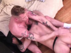 Tattooed hunks swaps blowjob and anal