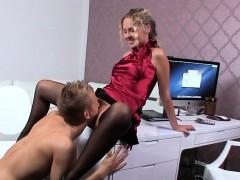 Big dicked guy bangs hairy female agent