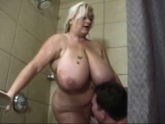 Fat lady with super tits toilet sex