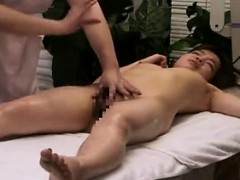 Hairy massage ho sucking cock in bath in hd