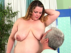 Sexy Bbw Visits A Masseur He Kiss Her Tits Belly And Ass