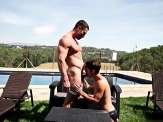 Big dick bodybuilder anal sex and cumshot